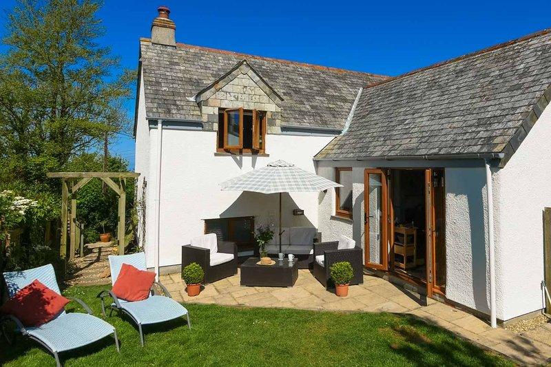 Barn Cottage, Rosecare, holiday rental in Crackington Haven