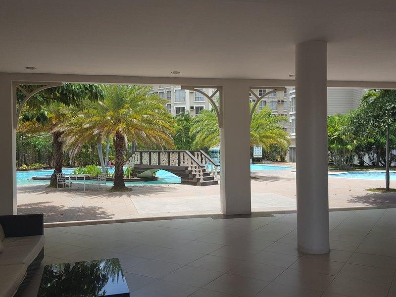 Casa club junto a la piscina