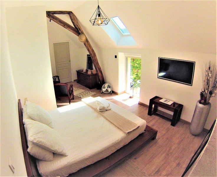 Chambre EBENE  Meublé de tourisme 4*, holiday rental in Meusnes