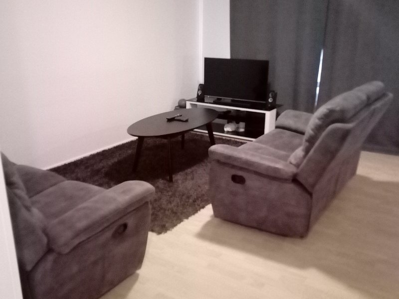 A Quiet & Cool Apartment, vacation rental in Oulu