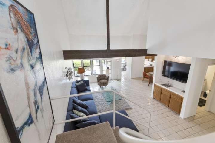 Favoloso open pranzo / soggiorno è perfetto per rilassarsi o intrattenere!