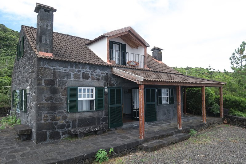 Baía de Canas Villa, holiday rental in Sao Roque do Pico