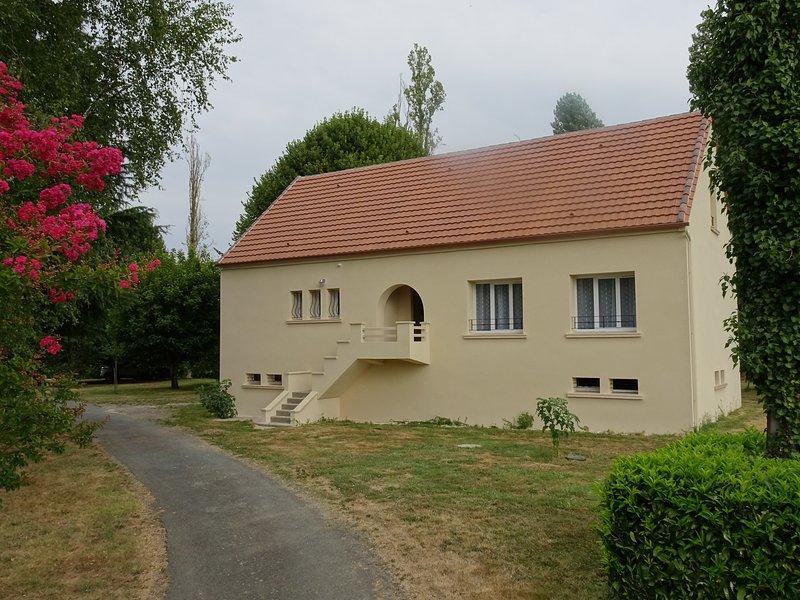 Maison au bord de la Dordogne, vacation rental in Bourniquel