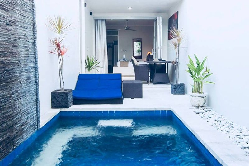 REGENCY ONE BEDROOM VILLA WITH OWN PRIVATE POOL, holiday rental in Kuta