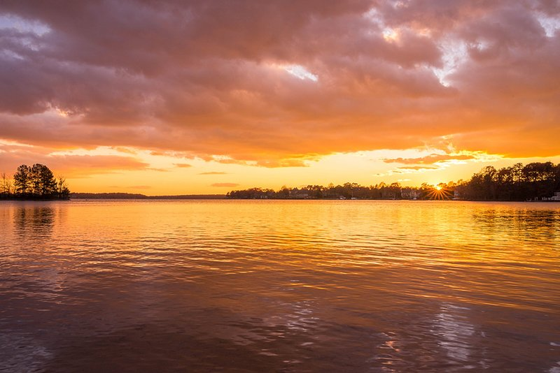 Lake Norman 1st floor condo in Cornelius - Fall 2018 Discount rate of $2k per mo – semesterbostad i Cornelius