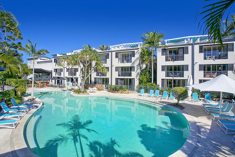 RESORT APARTMENT IN THE HEART OF NOOSA HEADS, vacation rental in Noosa