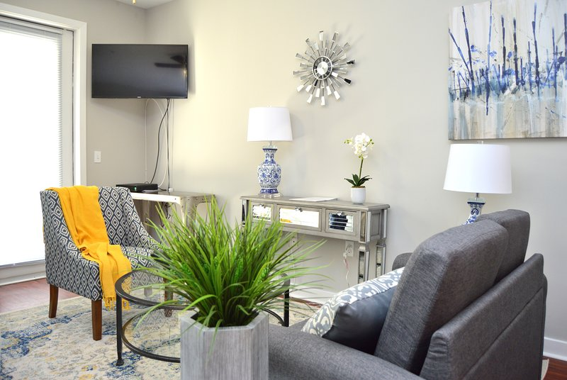 Montclair | Spacious Studio | Steps to NYC, aluguéis de temporada em Fair Lawn