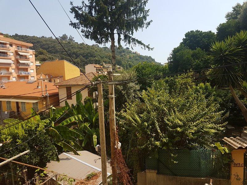 charmant appartement avec vue sur verdure, casa vacanza a Sainte-Agnes