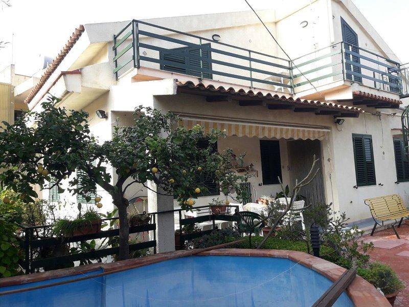 Appartamento 1° piano vista mare in villa, casa vacanza a Capo Negro