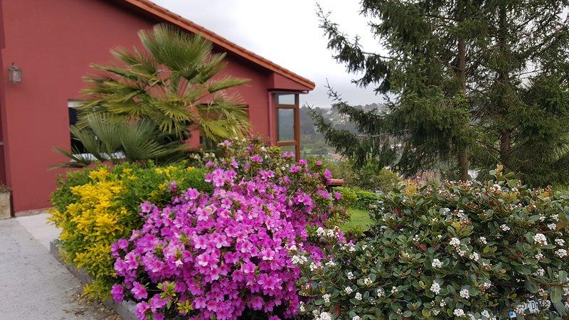 Casa con vistas al lado de Coruña, alquiler vacacional en Culleredo