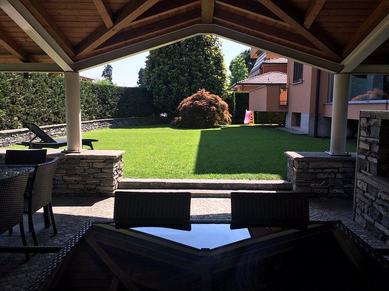 Nel mezzo dei rami del Lago di Como offriamo l'intera struttura ad USO ESCLUSIVO, holiday rental in Caglio