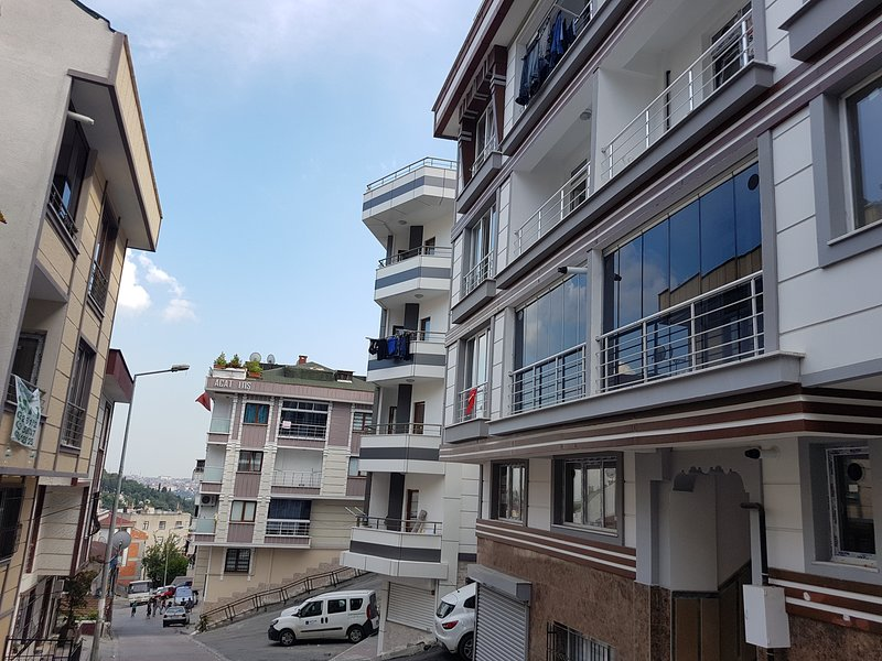 istanbul Family Apartment, holiday rental in Gaziosmanpasa