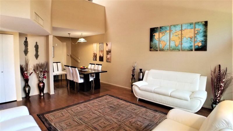 Large Townhome Next to Racquet Club and Riverwalk, holiday rental in Catalina Foothills