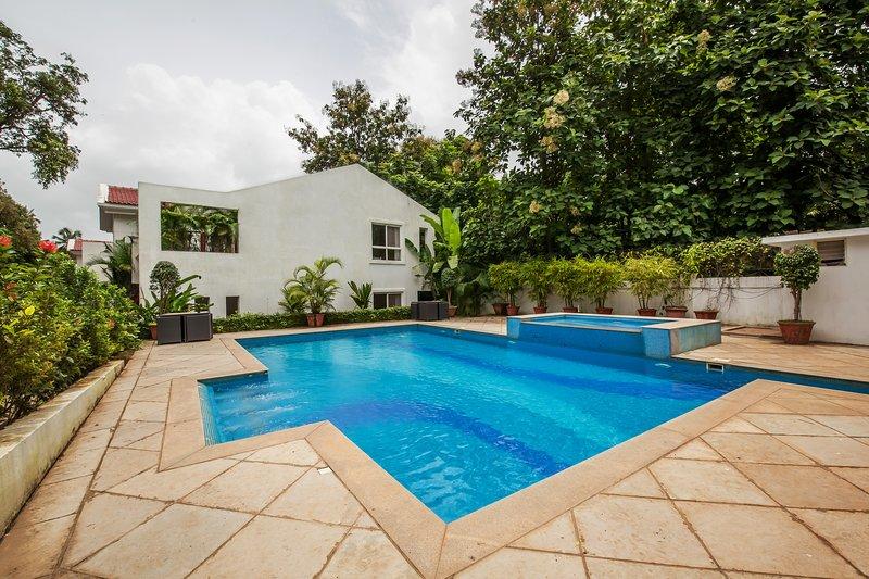Bohemian Villa by Vista rooms, holiday rental in Verla Canca