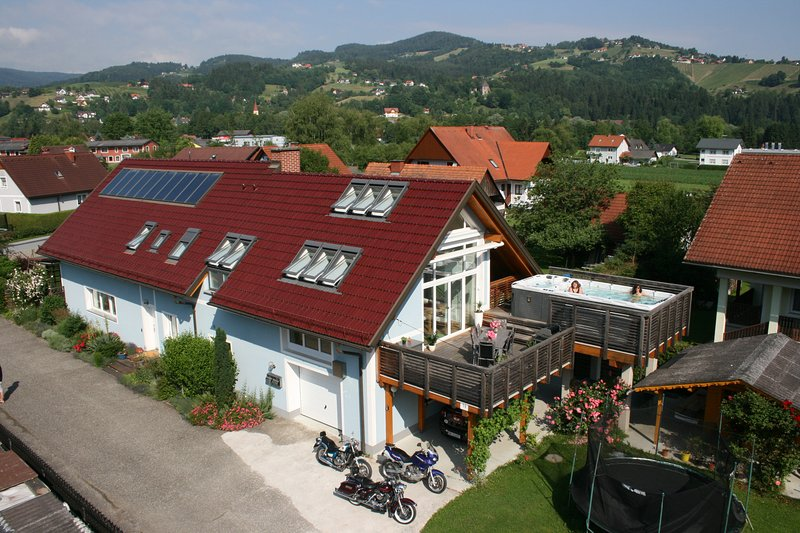 Apartment Reinbacher mit Swimm-Spa / Jacuzzi, location de vacances à Hirschegg Rein