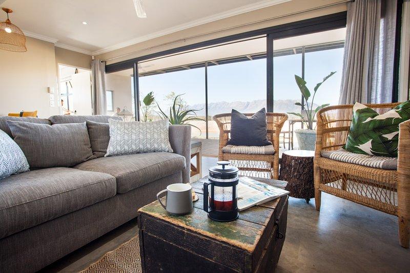 Riverstone's FamTin, holiday rental in Riebeek-West