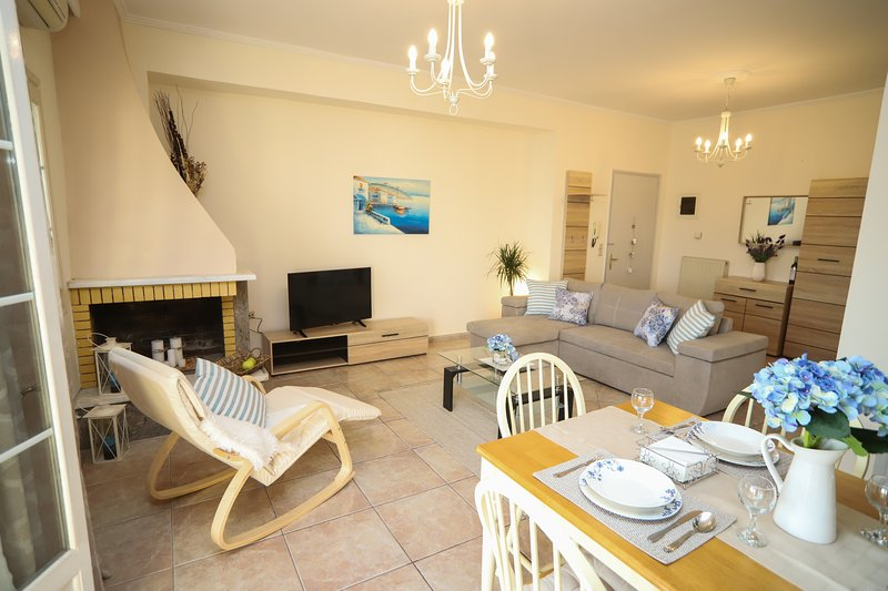 Philoxenia Family Suite, holiday rental in Kanálion