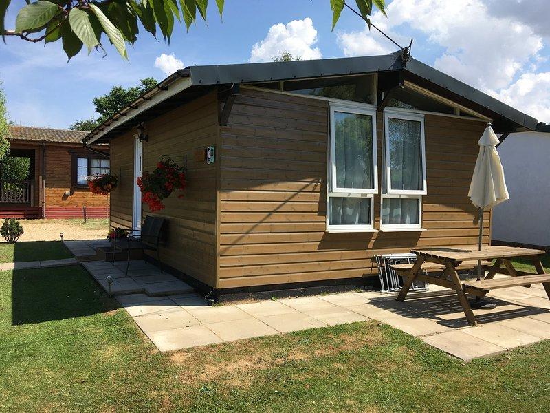Alberta Lodge, Heacham, Norfolk. Quiet location, 5 minutes from the beach., alquiler vacacional en Heacham