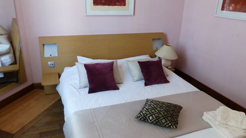 APPARTEMENT COSY A 35MN DE CDG, holiday rental in Chauny