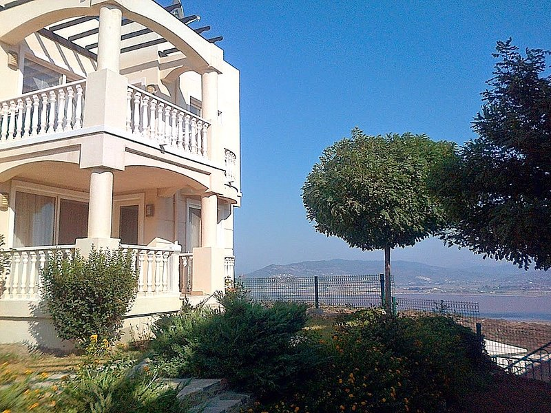 Flamingo Country Club Lake View apartment, holiday rental in Bodrum District