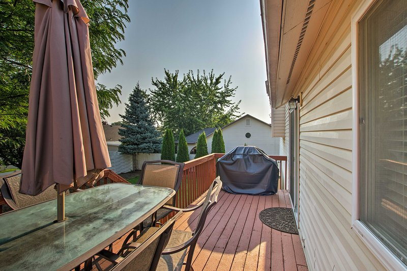 You'll have plenty of outdoor space to enjoy the sunshine!