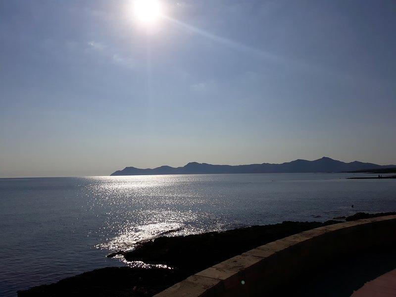 Passeggiata marittima Vista sulla baia di Alcudia