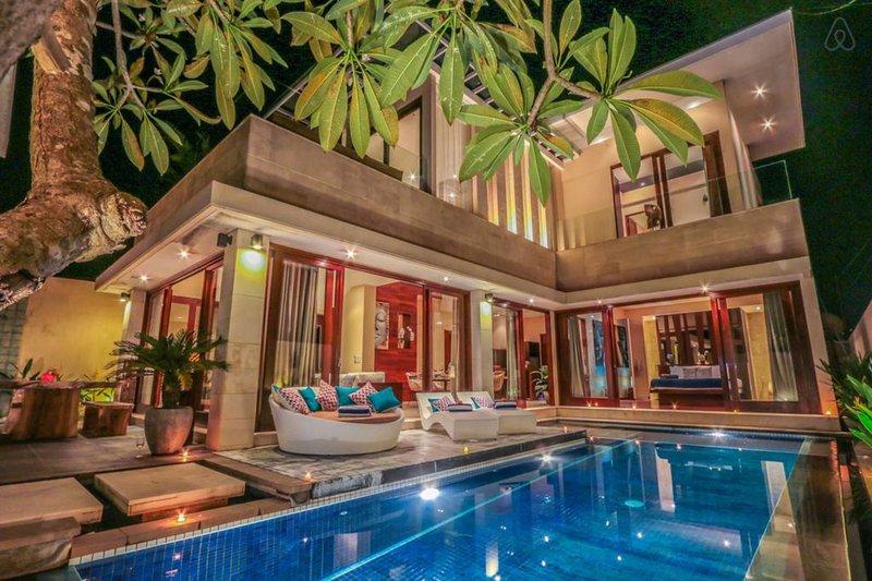 3 bedrooms - Villa La Luna Belle, alquiler de vacaciones en Tibubeneng