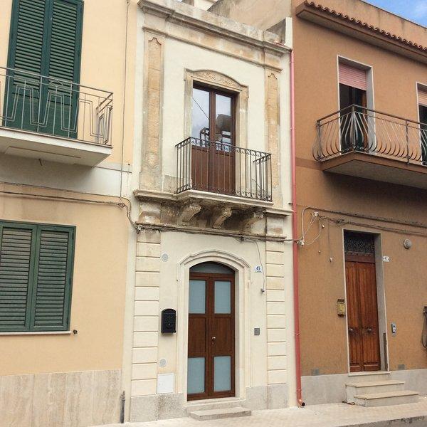 Tonsorim casa vacanze completamente nuova nel centro storico del Comune di Avola, casa vacanza a Avola