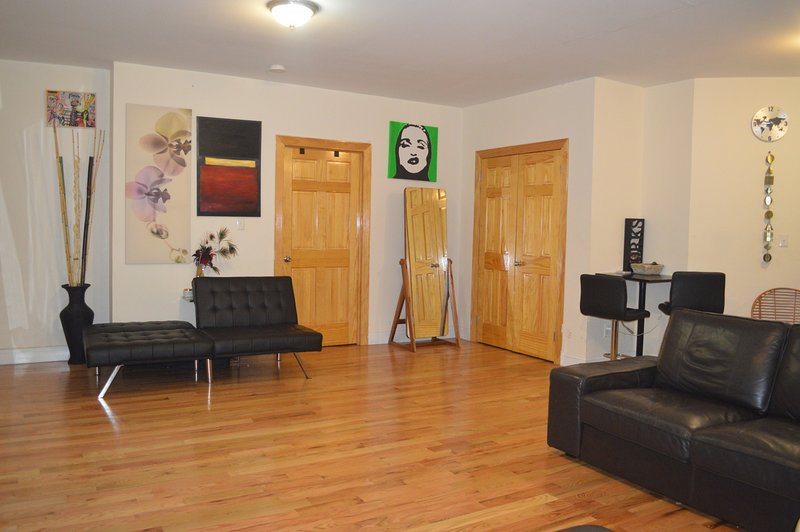 Lovely Manhattan Apartment In Sugar Hill, Ferienwohnung in Bronx