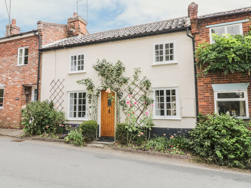 PLOUGHMAN'S, dog friendly, in Hoxne, 970111, vacation rental in Pulham Market