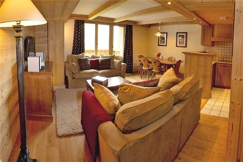 L'Aquila 35, luxury 3-bedroom apartment on the piste - TripAdvisor