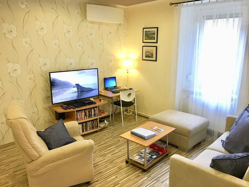 Stylish Apt in the heart of Old Town Bratislava, vakantiewoning in Slowakije