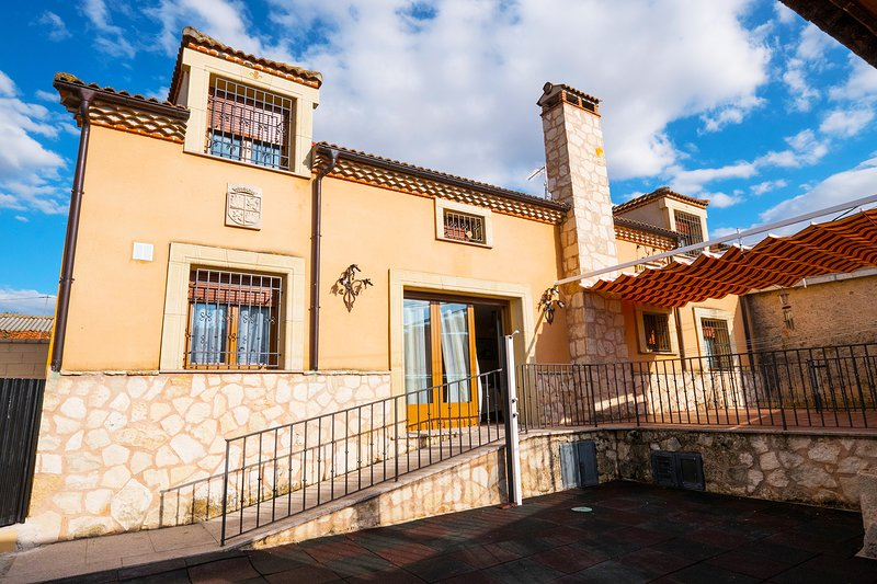 El Peñasco, holiday rental in Caballar