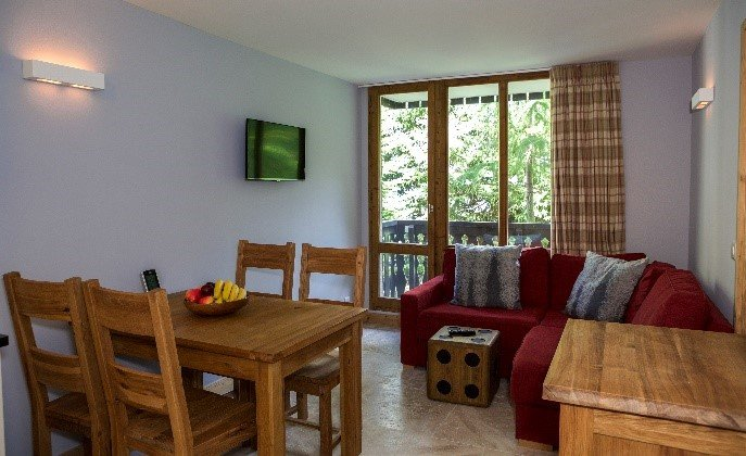 Hauts du Rogoney, lovely 2-bedroom apartment on the piste, holiday rental in Ceresole Reale
