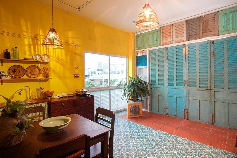 Retro Studio with kitchen inside_TaMi House 2, casa vacanza a An Hai Tay