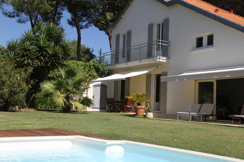 The main house with pool and private garden (750 m2)