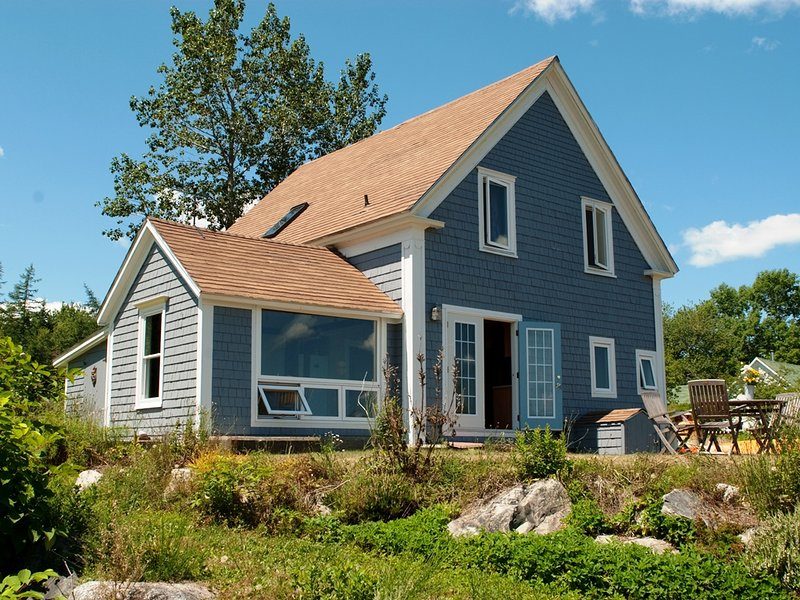 Rising Sun Guest House ligger i Jordan Bay, Nova Scotia