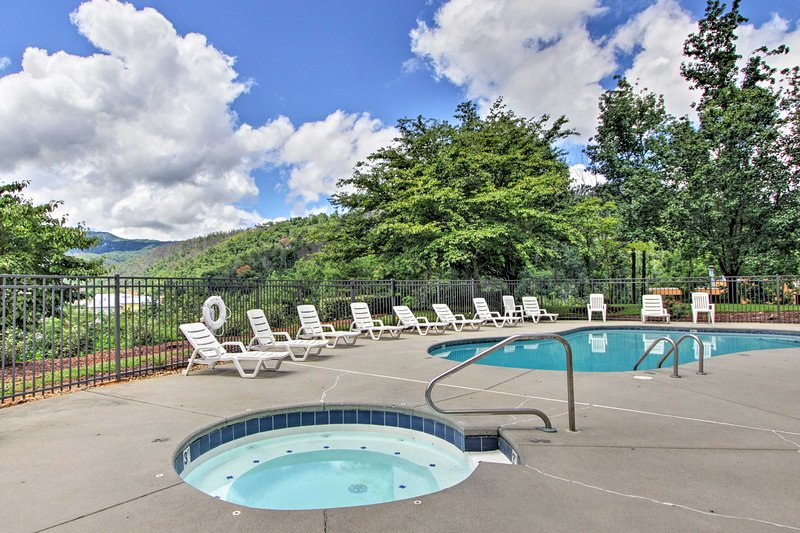 You'll have access to this lovely pool/hot tub area while staying at the condo!