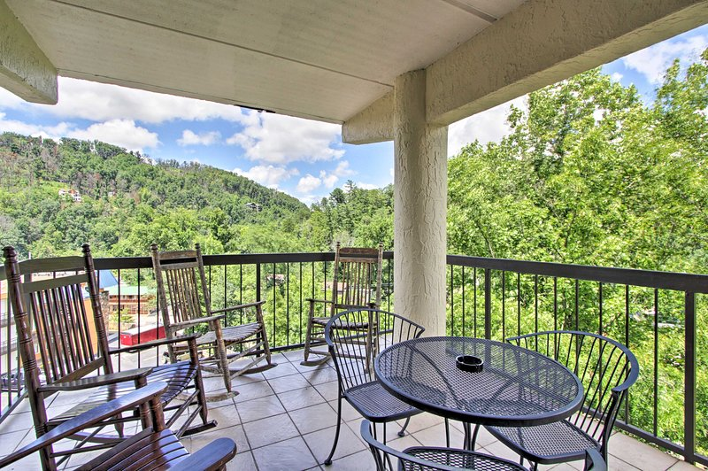 Your spacious & private third-floor deck can comfortably fit 6 vacationers!