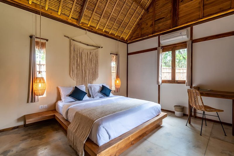 Karang - Sublime Eco & Boho 2Bedr Bungalow - 350m Bingin Beach, vacation rental in Uluwatu