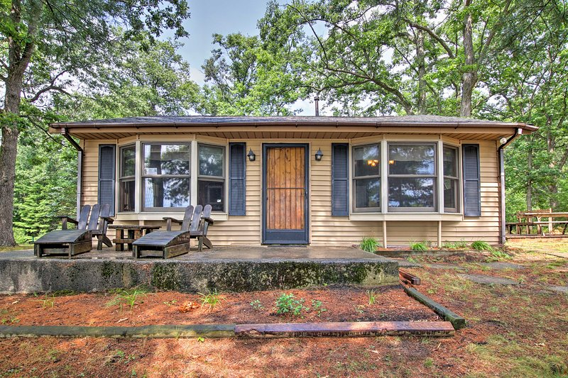 Call this knotty pine home your Up North getaway!