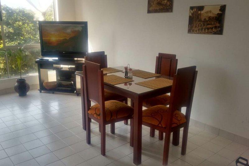 HOSPEDAJE, en Cali - Colombia en lugar iluminado, fresco y apacible, vacation rental in Yumbo