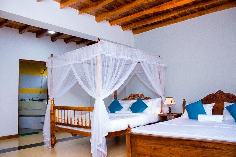 DADZ Villa, holiday rental in Doluwa