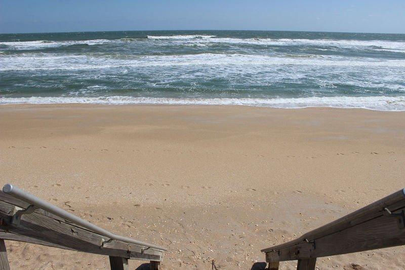 Accès à la plage à la plage sans voiture à distance de marche.