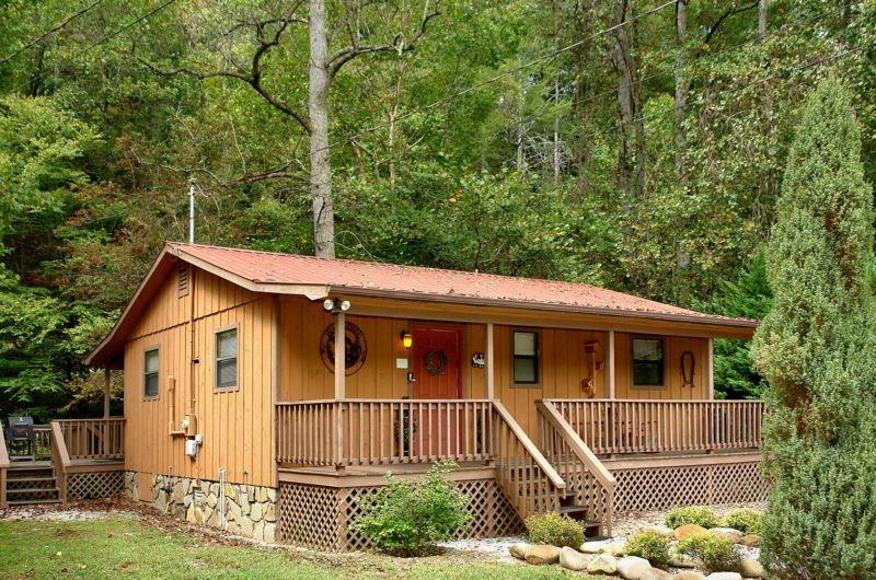 Whispering Creek - 2 Bedrooms, 1 Baths, Sleeps 6, holiday rental in Hartford