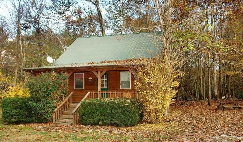 Jon's Pond on Cosby Creek - 2 Bedrooms, 2 Baths, Sleeps 6, holiday rental in Hartford