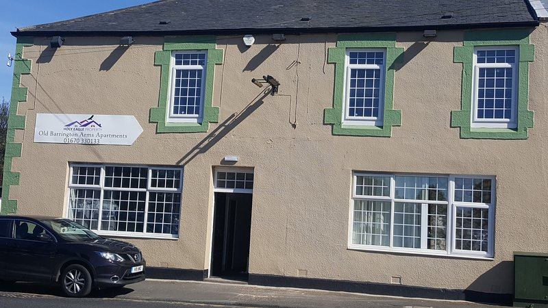 Old Barrington Arms Apartment 4, holiday rental in Seaton Delaval