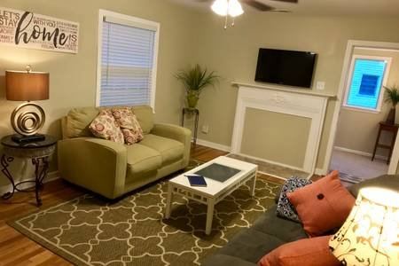 Living Room with high speed internet and multiple usb power supplies