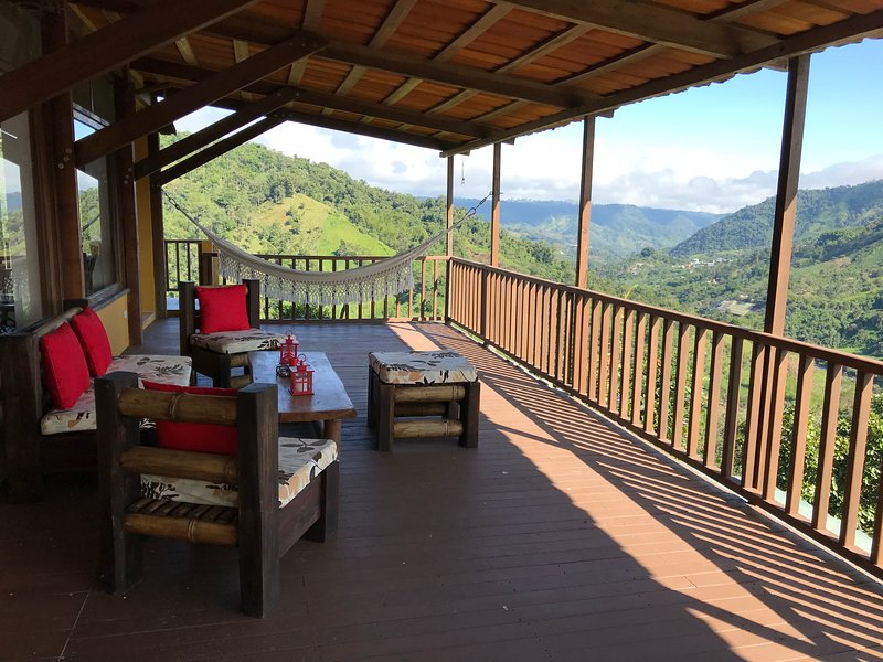 Ecollacta - Elegant House #2 in Exclusive Ecological Property, holiday rental in Mindo
