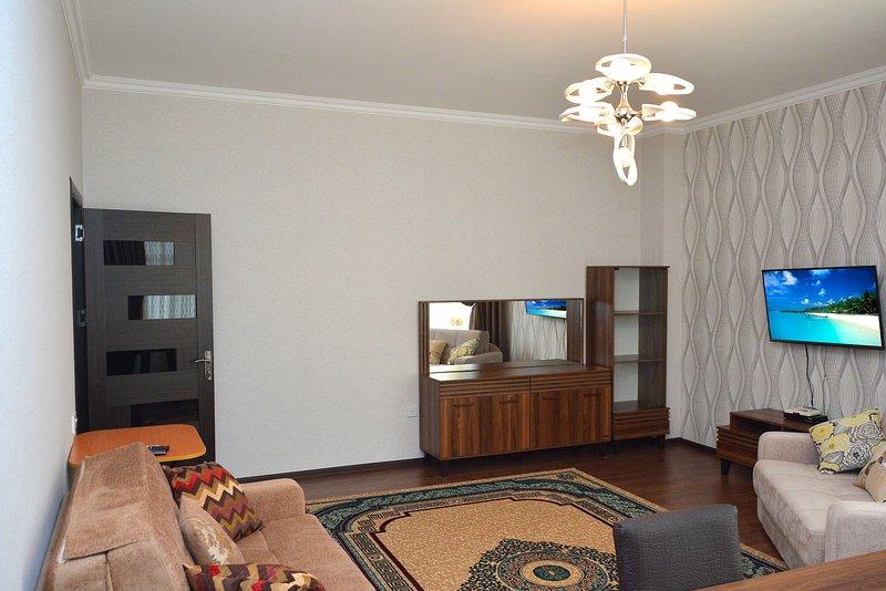 Optimistic apartment at center, vakantiewoning in Bakoe